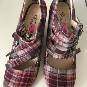 First love Ladies shoe New brand size 6 1/2 M